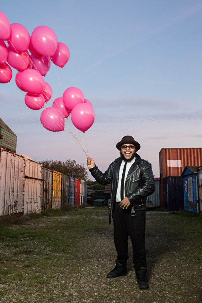 Commercial Advertisement Ad Photoshop Photography Music Concert Festival Tour Backstage Stage - by Julian Erksmeyer ADE Amsterdam pink Balloons smile laugh fun anthonymills anthony mills