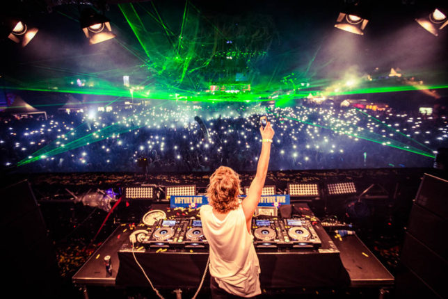 Commercial Advertisement Ad Photoshop Photography Music Concert Festival Tour Backstage Stage - by Julian Erksmeyer EDM Electronic Dance House Danny Avila Lights Crowd Laser Spots