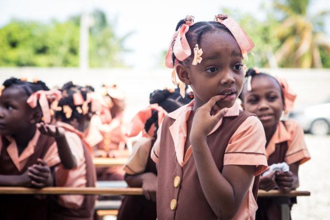 Commercial Photoshop Photography Documentary Documentaries Dokumentation Reportage Fotografie Journalism Journalismus - by Julian Erksmeyer Haiti Port-au-Prince poor humanitarian help